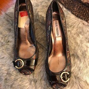 Steve Madden Peep toe shoes
